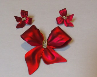Vintage  Bow Brooch & Pierced Bow Earrings Demi Parure Red Enamel