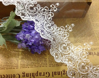Vintage lace trim ,off white Cotton Embroidered Lace Trim Retro Textured Florals ,ivory white lace edge