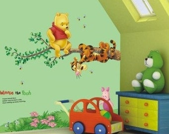 Winnie the Pooh & Tigger on a branch - AW703