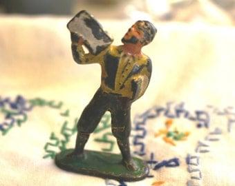 Vintage Diecast Lead Newspaper Boy Figurine