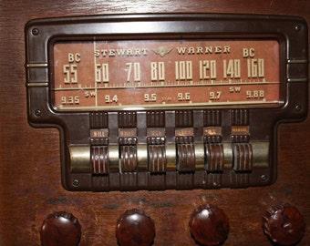 1946 Vintage Stewart Warner Radio 62T16 62TC16 Walnut Wood Cabinet