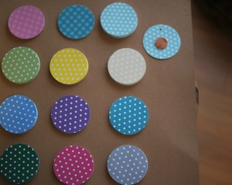 Round circle gift tags / wedding tags / baby shower / cupcake topper / you choose color - set of 12 / free twine