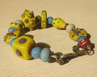 "Handmade Glass Bead Bracelet ""Mustard"""