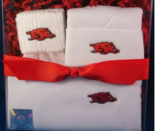 Arkansas Razorbacks 3 Piece Baby Clothing Gift Set