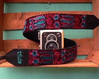 Leather camera strap, Guatemalan embroidery, Colorful camera strap, Gift Photographer, DSLR camera strap - Colibri magenta, turquoise - CBC2