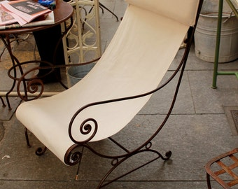 Outdoor chair with fabric seat