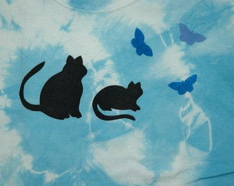 Cats 100% cotton youth short sleeved tee shirt.  Hand dyed and silk screened. Preshrunk,machine wash & dry