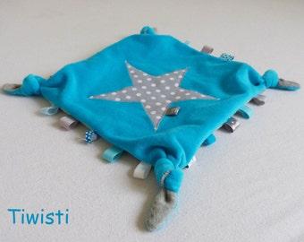 Doudou plat à noeuds et étiquettes en velours tout doux gris et turquoise, motif étoile.