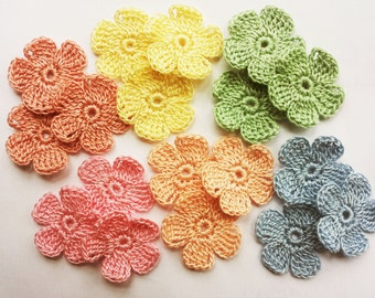 Crochet mini flowers applique pastel colors 18pcs. 1.18 inches