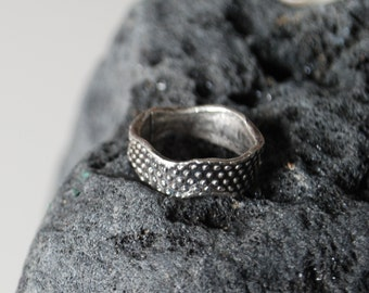 Dot fine silver organic ring SIZE UK M (US 6.5)