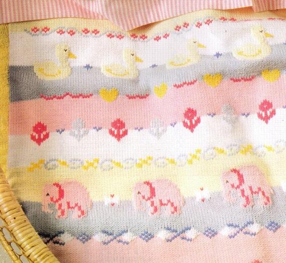 UNiSEX PaSTEL DuCK LoVe STRiPes CuTe Baby CoT Blanket PRam RuG