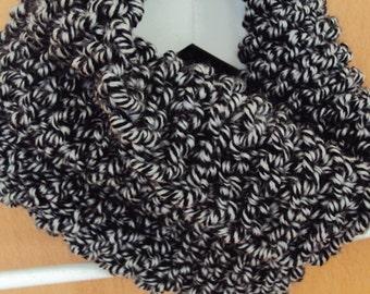 Loop scarf