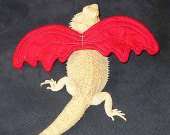 Wings for Bearded Dragons! Multiple colors, one size fits most.