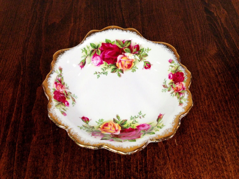royal albert fine vaisselle bone china shell plaque bonbons. Black Bedroom Furniture Sets. Home Design Ideas