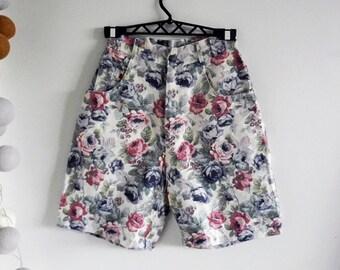Vintage Women's Cotton / Linen Shorts with Flower Print / Roses