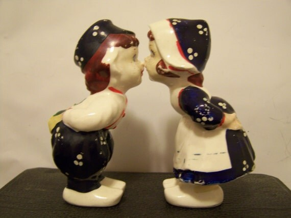 Dutch kissing salt and pepper shakers - Salt and pepper shakers hugging ...