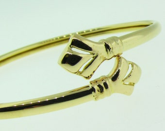 14 karat gold vintage bangle bracelet.