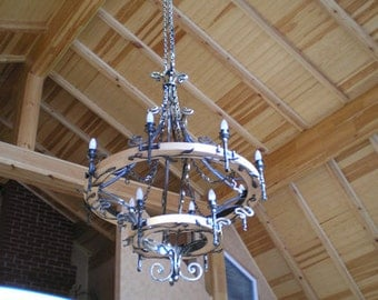 Large Wrought Iron Chandelier, Wagon Wheel Style.12 Bulbs.