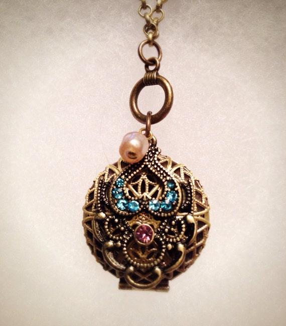 Mini Morocco Antique Bronze Essential Oil Diffusing Necklace