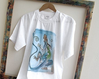 Paint  t-shirt - Blue Lizard . Unique hand painted cottton t-shirt  with lizard design. Ready to ship .