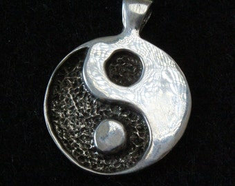 Yin and yang - Sterling Silver Pendant