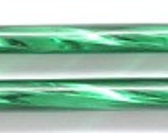 PRECIOSA 30mm Twisted Bugle - Green - Pack 50