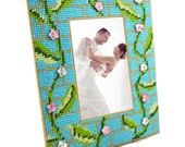 Plastic Canvas Craft Kit to make a photo frame NEW!