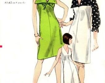 Vogue 6511 Splashy Halter Dress or Jumper & Blouse / ca. 1965 / SZ10 UNCUT