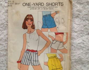Simplicity Pattern 6946 One-Yard Shorts Women's Size 12 from 1975 Uncut