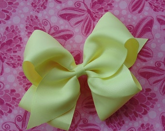 """Light Yellow Oversized Hair Bow, 5"""" Boutique Bow, Girls Hair Bow, Toddler Hair Bow, Baby Hair Clip, Pagent, Photo Prop"""