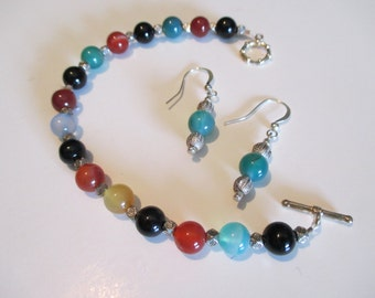 Appealing Bracelet and Earrings Set