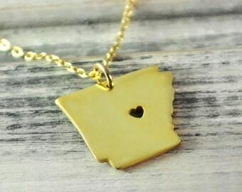 I  heart Arkansas Necklace Arkansas  pendant  18K gold plated state necklace state pendant map pendant  hammered state necklace map jewelry