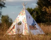 FREE SHIPPING! Children's Teepee Playtent/ Children's House. Children's tent. Playhouse. Wigwam