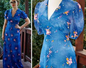 BLUE Dream 1970's Vintage Long Floral Maxi Dress with Puffed Princess Sleeves and Large Collar // size Small