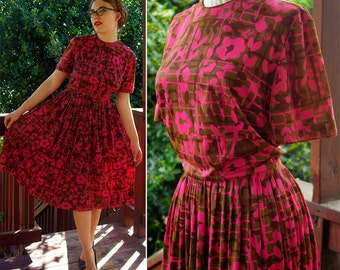 FLOWER Box 1950's 60's Vintage Pink + Brown Floral Dress with Back Buttons // by JEANNE // size Small Med