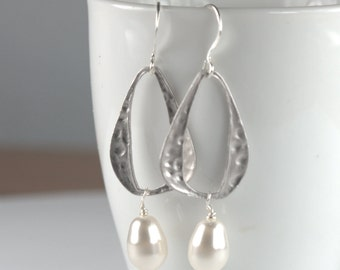 Swarovski Pearl and Hammered Oval Drop Silver Earrings, Pearl Silver Dangle Earrings, Silver Earrings, Bridal Earrings, #853