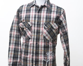 Men's Flannel Shirt / Vintage Quilted Barn Coat / Screen Printed Tree / Size Medium