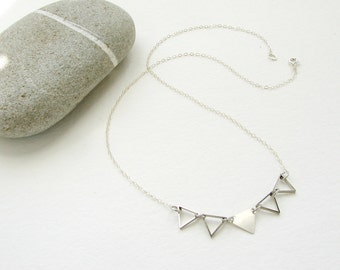 Triangle link necklace, geometric jewelry, silver triangle necklace, simple minimal jewelry