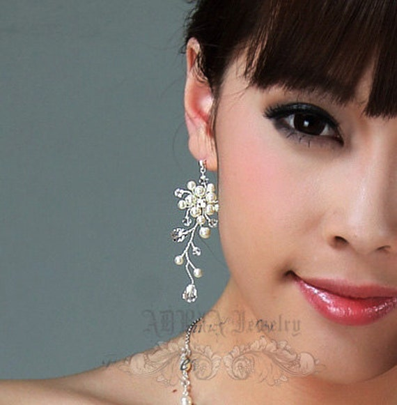 Bridal Earrings, Ivory White Pearl Wedding Earrings, Swarovski Crystals Sterling Silver Wire Wrapped Vine Foloral Silver Stud Earrings