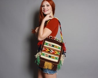 70s SW FRINGE PURSE / Bright Ethnic Woven Wool Tribal Bag