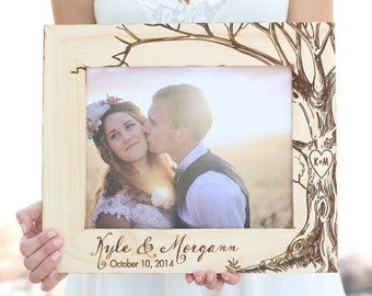 Personalized Rustic Wood Frame by Morgann Hill Designs #MorgannHillDesigns #BraggingBags (Item Number MHD20032)
