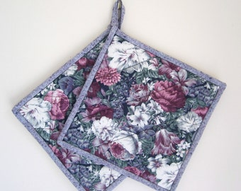 Floral Potholders Set of 2 - made by Ilse from ISewTotes