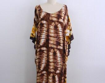 1970s Tie Dye Caftan .... Vintage  Maxi Dress ... One Size