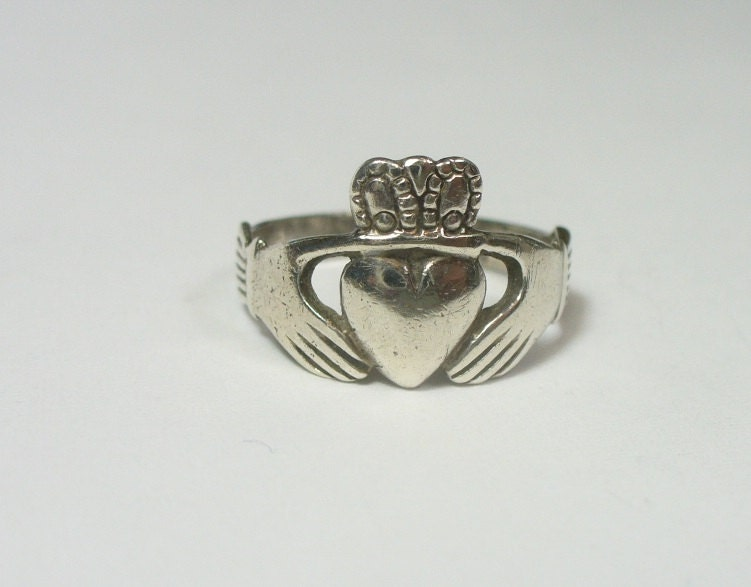 vintage sterling silver claddagh ring size by