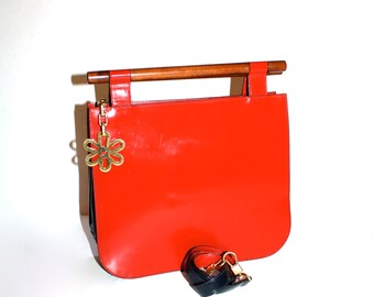 MOSCHINO REDWALL Vintage Tote Red Black Patent Leather Wood Handle Bag - AUTHENTIC -
