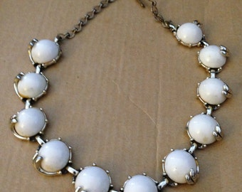 Vintage Mid Century 1940s Silver Tone Rhodium Plated White Thermoset Lucite Cabochons Adjustable Choker Necklace