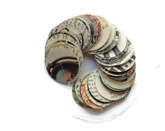 Presidents Encyclopedia Round Garland - Over 5 Yards Long - Paper Circle Decoration - Classroom Decoration