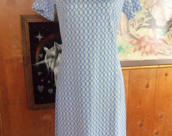 60s BERKSHIRE B-Tween Size Casuals--Baby Blue and White Day Dress--Breathable Fabric--Mod Print--Size 8