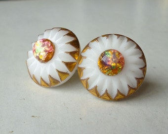Retro Milk Glass Stud Earrings, Molded 1930s French Glass, Starburst Painted Gold, 1940s Pink Fire Opal Center Boho Pinup Gypsy Art Deco
