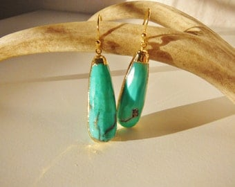 W A S A B I // Faceted Chrysoprase drops 24k gold dipped // 1 pair